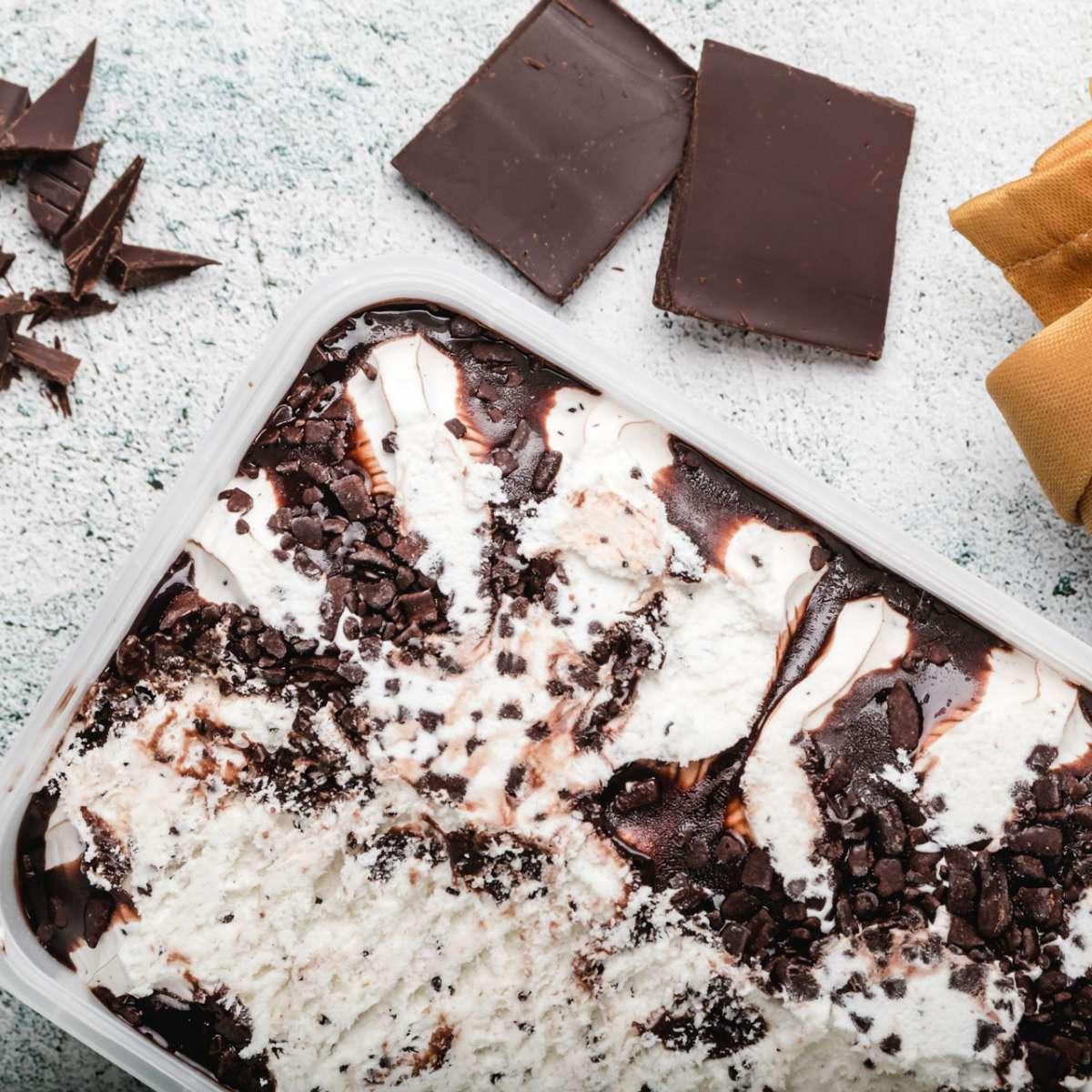 ice-cream-with-chocolate-chips-refreshing-straccia-XJS9GLN